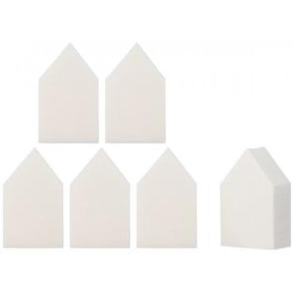 The Saem Makeup Figure SpongeФигурный спонж Make-up Sponge предназначен для нанесения макияжа. Благодаря неординарной форме, он очень удобен при использовании, позволяет нанести корректирующие косметические средства на труднодоступные участки лица (уголки глаз, крылья носа). Компактный размер комфортно размещается в руке.<br><br>Универсальный структурный материал пуфа, позволяет использовать его практически для всех косметических продуктов (базовая основа, тональный крем, крем-пудра, компакт-пудра, рассыпчатая пудра, румяна и пр.).<br><br>Косметический уход спонжем вызывает приятные контактные ощущения, не раздражает и не травмирует кожу.<br><br>Нуждается в периодической стирке теплой водой, с использованием мягкого моющего средства. Пуф имеет устойчивую форму, со временем не деформируется, что гарантирует длительный период эксплуатации.<br><br>&amp;nbsp;<br><br>Объём: 1 шт.<br><br>&amp;nbsp;<br><br>Способ применения:<br><br>Возьмите необходимое количество косметического средства и мягкими движениями, по массажным линиям нанесите на кожу лица, равномерно растушуйте.<br>