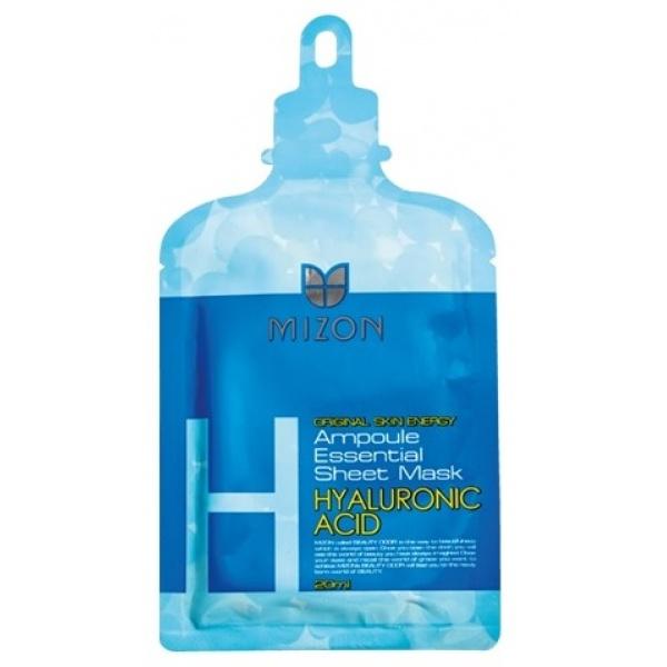 Mizon Ampoule Essential Sheet Mask  Hyaluronic acidГиалуроновая кислота – верное средство возвращения молодости для любой кожи. Так как объемы ее выработки в организме в принципе не велики, со временем она утрачивается, а вместе с ней – способность кожи впитывать влагу. А так как с водой в кожу попадают многие полезные вещества, то их поступление также сокращается, что, в конце концов, и провоцирует старение.<br>Не дайте своей коже засохнуть! Даже в юном возрасте количество гиалуроновой кислоты по сравнению с кожей младенца уменьшается в 5-10 раз в зависимости от климата, так что увлажняющая маска Ampoule Essential Sheet Mask - Hyaluronic acid от Mizon рекомендуется и молодым девушкам.<br>Важный компонент здоровья кожи<br><br>Для кожи концентрация гиалуроновой кислоты – особенно важный параметр, так как без нее никакое увлажняющее средство не поможет исцелить сухость и морщины. Она не только впитывает, но и удерживает воду, являясь как бы «магнитом» для молекул H2O.<br>С помощью Ampoule Essential Sheet Mask - Hyaluronic acid гиалуроновая кислота в наиболее удобном для усвоения виде доставляется в клетки кожи и сразу же схватывает большую часть влаги и питательных веществ из маски, поэтому в этом чудесном средстве содержится не только гиалуроновая кислота, но и множество других активных компонентов.<br>Ингредиенты маски<br><br>Гиалуроновая кислота;<br>Аденозин;<br>Лецитин;<br>Коллаген;<br>Экстракты листьев и плодов: лемонграсса, мелиссы, папайи, мандарина, апельсина.<br><br>Предпочтительно использование Ampoule Essential Sheet Mask - Hyaluronic acid на сухой коже, так как в составе присутствуют метилпарабен и пропилпарабен.Объём: 25 млСпособ применения:Аккуратно распакуйте маску, осторожно расправьте и, сняв защитную пленку, наложите на предварительно вымытую и высушенную кожу лица. Сравните результат с соответствующими фотографиями, чтобы не обделить некоторые участки (например, носовой отдел и зона верхней губы часто заминаются внутрь и остаются без внимания). Держ