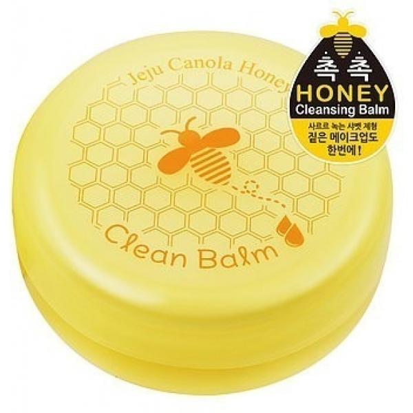 The Yeon Jeju Canola Honey Clean BalmБальзам для лица на основе рапсового меда от корейского косметического бренда The Yeonвходит в коллекцию продуктов Jeju Canola Honey, которая создана для придания лицу тонуса, упругости и свежести.<br>Густая консистенция бальзама при нанесении мгновенно впитывается кожей, оставляя на ней приятное ощущение. Clean Balm прекрасно и бережно очистит кожу от по вседневных загрязнений и макияжа любой стойкости. Он не вызывает раздражений даже у обладательниц чувствительного типа кожи.<br>Рапсовый мед, на основе которого изготовлен продукт, обладает способностью воздействовать на кожу из ее глубоких слоев. Он активизирует процессы клеточного обновления и улучшает клеточное дыхание. К тому же, этот компонент бальзама эффективно борется с воспалениями, раздражениями, витаминизирует кожу, питает ее, делает необычайно мягкой, упругой и бархатистой, эффективно подтягивая при этом контуры лица.<br>Вытяжки ягод обладают мощным антиоксидантным действием. Они надежно защищают кожу от преждевременного увядания, насыщают витаминами, устраняют сухость и шелушения, придают лицу тонус, свежий и равномерный оттенок.Объём: 80 мл.Способ применения:Наносить на сухую кожу в процессе очищения, массажными движениями распределить по лицу, после чего смыть при помощи теплой воды.<br>