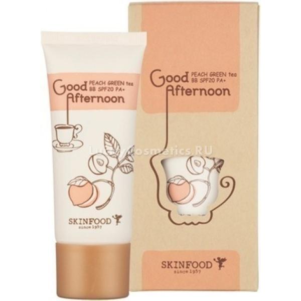 Skinfood Good Afternoon Peach Green Tea BB SPFPASkinfood Good Afternoon Peach Green Tea BB SPF20/PA+ содержит омолаживающий экстракт персики и тонизирующий зеленый чай. Крем оказывает увлажняющее и матирующее действие, прекрасно подходит для комбинированной, жирной и проблемной кожи. Крем хорошо справляется с визуальными изъянами на лице, качественно их маскирует, придает коже естественный ровный тон и здоровое сияние. Увлажняющее и матирующее свойство продукта исключает иссушение кожи и возникновение на ней шелушений и жирного блеска. Крем хорошо ведет себя на лице в течение всего дня &amp;ndash; не ложится маской, не подчеркивает шелушений, легко наслаивается, не лоснится, не плывет, не проваливается в поры и не скатывается. Он абсолютно незаметен на коже, однако оказывает на нее заметное действие.<br><br>Активнодействующие ингредиенты бб крема:<br><br><br>Персиковый экстракт &amp;ndash; увлажняет кожу, предупреждает возникновение мимических морщин, питает, восстанавливает ее тургор. Входящие в состав кислоты оказывают отшелушивающий и отбеливающий эффект.<br>Зеленый чай &amp;ndash; экстракт этого растения, настоящая кладезь важных для кожи элементов и антиоксидантных веществ, это универсальный ингредиент-антисептик, подходящий для применения на коже любого типа и возраста. Вытяжка из растения в составе средства способствует защите коже от негативного воздействия окружающих факторов, ускоряет выработку коллагена, разглаживает и смягчает кожу, нормализует обмен веществ в коже, оказывает себорегулирующее действие, успокаивает, устраняет различные покраснения, угревую сыпь, придает лицу здоровый и сияющий вид.<br><br><br>Крем представлен в двух оттенках:<br><br>№1 &amp;ndash; легкий бежевый, для светлой и незагорелой кожи.<br><br>№2 &amp;ndash; натуральный бежевый для более темного тона кожи с легким загаром<br><br>&amp;nbsp;<br><br>Объём: 30 мл.<br><br>&amp;nbsp;<br><br>Способ применения:<br><br>на очищенную и подготовленную кожу лица, нанесите небольшое количество 