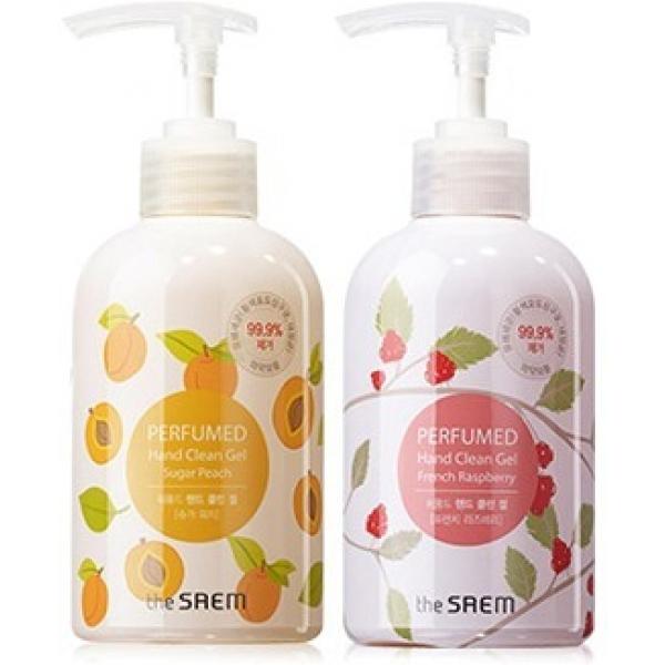The Saem Perfumed Hand Clean GelПарфюмированное средство для рук от известной корейской компании The Saem &amp;ndash; это дезинфицирующий гель с неповторимым ароматом. Крем обладает невероятно мягкой текстурой, что позволяет ему мгновенно впитываться в кожу. Он замечательно увлажняет и не оставляет после себя липкости или стянутости.<br><br>Продукт можно использовать как интенсивно увлажняющий крем и как мощное антибактериальное средство. Фирма The Saem позаботилась не только об удобстве, но и дизайне флакона. Он прочно и легко закручивается.<br><br>Средство не предусматривает смывание водой, поэтому его целесообразно брать с собой и применять вне дома. После использования продукта кожа рук становится чистой, мягкой. По заявлению производителя, продукт способен ликвидировать несколько видов болезнетворных бактерий с вероятностью почти в 100%. Крем способствует заживлению небольших ссадин и порезов и может похвастаться тонким, незабываемым ароматом.<br><br>&amp;nbsp;<br><br>Объём: 30 мл<br><br>&amp;nbsp;<br><br>Способ применения:<br><br>Необходимое количество крема выдавить на ладонь. Круговыми движениями распределить по поверхности рук, оставив до полного впитывания.<br>