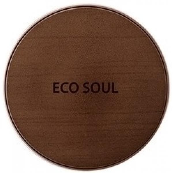 The Saem Eco Soul Bounce Cream FoundationСтойкость макияжа целиком и полностью зависит от правильно подобранной тональной основы. Очень важно, чтобы она не только соответствовала типу кожи, но и обеспечивала хорошее увлажнение. Именно такой и является основа для макияжа от The Saem, состав которой более чем на 50% составляют увлажняющие компоненты - ледниковая вода, гиалуроновая кислота, ниацинамид, аденозин и коллаген. К тому же она отлично защищает кожу от солнечного воздействия благодаря высокому защитному фактору SPF50. Ледниковая вода из артезианских источников содержит множество минералов и питательных компонентов, обогащена кислородом. Гиалуроновая кислота - необходимый компонент для увлажнения кожи и источник ее сияющей молодости. Она проникает в каждую клетку кожи и помогает влаге задерживаться в тканях, создавая невидимый глазу, но невероятно прочный защитный барьер. Ниацинамид отвечает за обновление клеток, помогает улучшить общее состояние кожи, эффективен против пигментированности и различных воспалений. Аденозин приводит кожу в тонус, восстанавливает энергетический баланс и великолепно защищает кожу от UV-лучей. Коллаген повышает упругость кожи, увеличивает и сохраняет запасы влаги, превосходно разглаживает морщинки. Основа представлена в двух вариациях:<br><br><br>Light Beige (01) - светло-бежевая;<br>Natural Beige (02) - натуральная бежевая.<br><br><br>&amp;nbsp;<br><br>Объём: 15 г<br><br>&amp;nbsp;<br><br>Способ применения:<br><br>При помощи спонжа нанести базу на кожу на начальном этапе создания макияжа.<br>