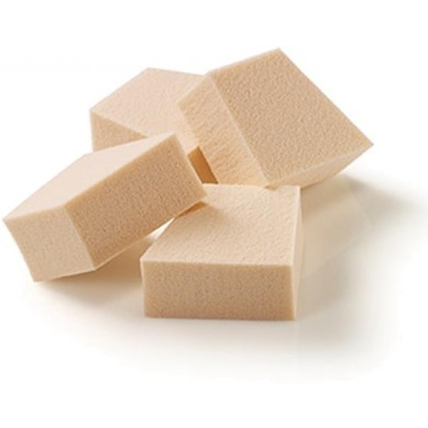 The Saem Detail Filled PuffХотите добиться идеально ровного легкого покрытия от своего любимого тонального крема? Тогда вам понадобятся специальные приспособления, которые использую профессиональные визажисты в своей работе. Например, спонжи от корейской марки The Saem. Благодаря своей пористой текстуре, они отлично набирают косметический продукт, а затем полностью отдают его коже.<br><br>Благодаря своей форме спонжи Detail Filled отлично подходят как для нанесения и растушевки тональной основы, так и для проработки мелких деталей.<br><br>&amp;nbsp;<br><br>Объём: 4 шт<br><br>&amp;nbsp;<br><br>Способ применения:<br><br>Влажным спонжем наберите тональную основу. Распределите средство по лицу от центра к периферии вбивающим движением. После использования спнж необходимо промыть и просушить.<br>