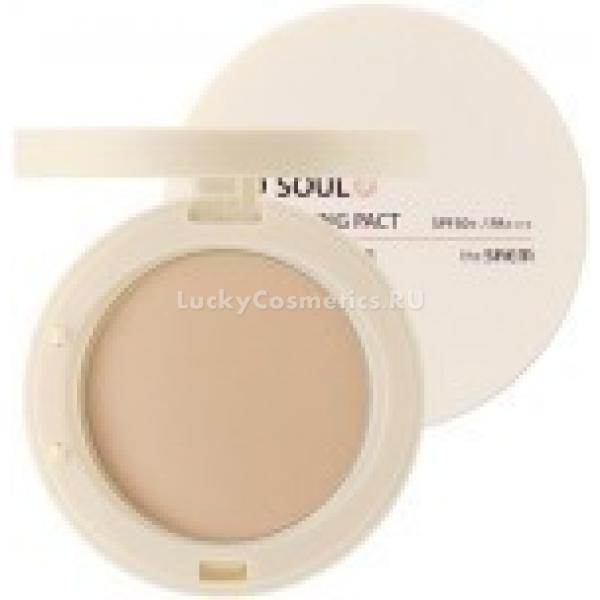 The Saem Eco Soul UV Whitening Pact SPFPAСолнцезащитная пудра с растительными экстрактами создает на вашей коже невесомую вуаль, которая надежно защищает ее от солнца. Максимальный SPF50 не пропускает ультрафиолетовое излучение в ткани кожи, тем самым предотвращая окислительный стресс клеток.<br><br>Жемчужный экстракт, входящий в состав пудры-санскрина, осветляет кожу, разглаживает ее текстуру, надежно скрывает косметические недостатки кожи и способствует заживлению ранок и воспалений, регенерации кожи после травм.<br><br>Гиалуроновая кислота – натуральный увлажняющий компонент, защищающий кожу от обезвоживания и продлевающий ее молодость. С возрастом из-за замедления метаболизма и влияния негативных факторов среды гиалуроновой кислоты вырабатывается мало, нарушается водный баланс, и ткани кожи теряют тонус, начинают провисать. Гиалуроновая кислота в составе пудры препятствует пересушиванию кожи и защитит ее от фотостарения.<br><br>Экстракт ромашки смягчает кожу и успокаивает ее после термических повреждений, оказывает антисептическое действие.Объём: 11 гСпособ применения:На очищенную тонизированную кожу с предварительно нанесенным праймером, кремом либо тональной основой, нанесите пудру. Косметическим спонжем с тонким слоем пудры прикладывающими движениями обработайте всю площадь лица. Повторяйте нанесение, как только заметите жирный блеск в зоне Т.<br>