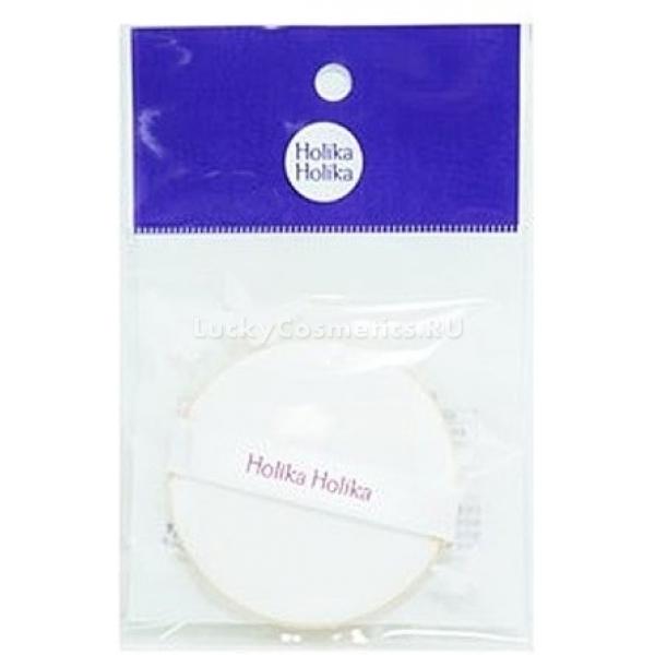 Holika Holika Premium Air PuffСпонжик от корейской компании Holika Holika создан для идеального нанесения тональных средств на кожу лица. Высококачественный аксессуар позволит без усилий выровнять тон и рельеф лица, скрыть несовершенства кожи. Покрытие он дает очень легкое. Распределяет тональный быстро и легко без эффекта &amp;laquo;маски&amp;raquo;.<br><br>Изготовлен аппликатор из качественных, экологически безопасных материалов. Они не вызывают раздражений и аллергических реакций. Это изделие станет вашим незаменимым помощником при создании безупречного макияжа.<br><br>Спонж легко моется и быстро сохнет, не теряя своей изначальной формы. Хранить его рекомендуется в сухом месте. Аппликатор можно использовать для экономного и равномерного нанесения хайлайтера и румян. Небольшой размер позволяет удобно держать его в руках и не пачкаться средством.<br><br>&amp;nbsp;<br><br>Объём: 1 шт<br><br>&amp;nbsp;<br><br>Способ применения:<br><br>Чтобы нанести тональную основу равномерным и тонким слоем, необходимо аппликатор немного смочить водой. Затем на спонж следует выдавить небольшое количество косметического продукта. Круговыми движениями нанести средство на лицо. Растушевать тон у линии роста волос. Промыть аппликатор с помощью любого моющего средства теплой водой. Просушить.<br>