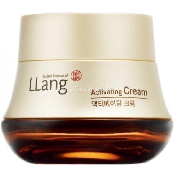 Llang Activating CreamКрем создан на основе экстракта из красного женьшеня, который произрастает в Корее в течение шести лет. Доказано, что вытяжка из данного растения наиболее полезна в косметологических целях. Женьшень, включенный с состав, делает средство незаменимым в уходе за кожей.<br>Крем примечателен тем, что быстро впитывается в кожу и мгновенно начинает питать клетки и увлажнять эпидермис. Насыщенная структура способствует ещё большему проникновению в глубинные слои. Основной эффект заключается в том, что кожа становится действительно нежной и бархатистой. Поверхность выравнивается. Удается даже стянуть небольшие морщины – как возрастные, так и мимические. Существенно и увлажнение клеток, благодаря которому поддерживаются процессы их регенерации. Кожа становится более упругой, омолаживается.<br>Заметно и замедление процесса выработки меланина. Это способствует торможению возникновения пигментных пятен, что особенно важно в зрелом возрасте. Постоянное применение поможет несколько осветлить тон и сделать визуальные несовершенства менее заметными.Объём: 50 млСпособ применения:Взять крем руками и подержать для согрева. Это поможет средству быстрее проникнуть в слои кожи и лучше ею восприниматься. Нанести смесь на лицо и распространить её по направлению от центра к периферии. Использовать массажные движения.<br>
