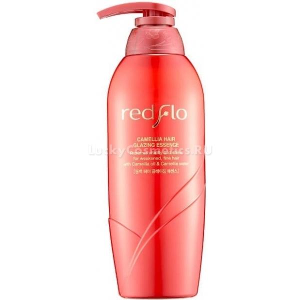 Несмываемая эссенция-глазурь для волос с маслом камелии Flor de Man Redflo Camellia Hair Glazing EssenceБлагодаря высокой концентрации полезных компонентов, эссенция имеет высокую эффективность в уходе за волосами. Redflo Essence интенсивно увлажняет волосы по всей длине, придает им жизненную силу, блеск, избавляет от ломкости и тусклости, придает упругость и шелковистость.<br>Консистенция средства очень нежная и легкая, его очень легко наносить и распределять по волосам. Продукт воздействует на волоски изнутри, питая и и восстанавливая поврежденные участки. Он интенсивно разглаживает и увлажняет волосы, придает им естественный блеск и наделяет силой. Кроме того, Camellia Hair Glazing надежно защищает волосы от негативного влияния высоких температур и других губительных для волос внешних факторов<br>Масло камелии, содержащееся в эссенции в высокой концентрации, насыщает волосы полезными веществами. Оно предотвращает возникновение перхоти, успокаивает раздражения и шелушения, укрепляет волосяные луковицы. Помимо этого, масло склеивает секущиеся кончики, придает невероятный блеск волосам, защищает их от термического воздействия.Объём: 500 мл.Способ применения:Наносить эмульсию на влажные волосы после мытья, распределить по всей длине. После использования, средство не нужно смывать.<br>