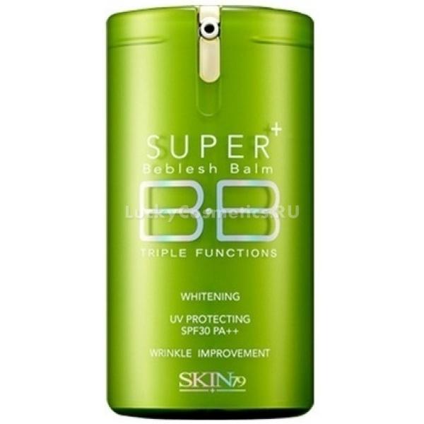 Skin Super Plus Beblesh Balm Triple Functions Green SPF PAМногофункциональный ББ крем с шелковым финишем предназначен для комбинированной, жирной и нормальной кожи светлых оттенков. В его состав входят:<br><br>полимеры, выравнивающие рельеф и заполняющие мелкие морщинки и некрасиво расширенные поры;<br><br>отбеливающие компоненты, устраняющие имеющуюся пигментацию и предотвращающие появление новых дефектов;<br><br>абсорбирующая пудра, впитывающая излишки кожных выделений и помогающая сохранить лицо матовым на длительное время.<br><br>Универсальный молочно-бежевый оттенок легко подстраивается под естественный тон кожи и выглядит совершенно естественно, создавая впечатление идеально гладкого и здорового лица. Легкое покрытие не создает эффект маски и не приводит к загрязнению пор. Средство относится к группе гипоаллергенных, а потому может быть рекомендовано для чувствительной и склонной к проблемам кожи.<br><br>ББ крем со средним уровнем защиты от УФ-лучей (SPF 30) не содержит своем составе животных жиров, парабенов и минеральных масел.<br><br>&amp;nbsp;<br><br>Объём: 40 мл<br><br>&amp;nbsp;<br><br>Способ применения:<br><br>В небольшом количестве средство нанести на кожу, предварительно увлажненную с помощью основного ухода. Равномерно распределить ББ крем по лицу. При необходимости наложить второй слой для получения наилучшего эффекта.<br>
