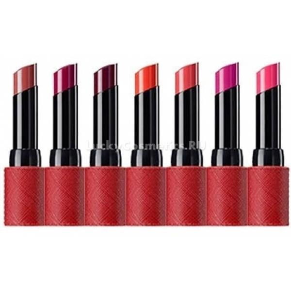 Матовая помада The Saem Kissholic Lipstick SПомада для губ Kissholic обладает ярко выраженными увлажняющими свойствами. Она питает кожу и восстанавливает её. Наносимый пигмент &amp;ndash; ярко-розовый и матовый &amp;ndash; один из самых стойких и ярких в коллекции.<br><br>Оздоровительные и защитные функции обеспечиваются наличием в составе масел ши, манго, какао и бабассу. Масло ши добывают из плодов одноименного растения, которое называют ещё деревом бессмертия. Жидкость, которую производят из орехов, питает и увлажняет кожу, помогает избавиться от сухости, уничтожает проблему шелушения. Эффективно хранит губы от негативных воздействий ветров и морозов. Справляется с воспалениями, в том числе и с дерматитом. Делает кожу упругой и подтянутой. Подходит как для молодого эпидермиса, так и для зрелого &amp;ndash; нивелирует преждевременного старение благодаря способствованию регенерации клеток.<br><br>Масло манго &amp;ndash; источник липидных кислот и витаминной группы, кальция и железа. Имеет ярко выраженный эффект повышения упругости поверхности, эластичности, мягкости. Кожа становится бархатистой, разглаживаются мелкие морщинки.<br><br>Масло какао увлажняет и восстанавливает кожу, омолаживает её, существенно замедляя старение клеток.<br><br>Масло семян бабассу &amp;ndash; признанный увлажнитель в мире косметики. Благодаря ему губы становятся визуально здоровыми и сияющими, кажутся большими и наполненными. Питательные свойства масла сохраняют поверхность от микротрещин в любых погодных условиях.<br><br>&amp;nbsp;<br><br>Объём: 4.1 г<br><br>&amp;nbsp;<br><br>Способ применения:<br><br>Нанести на поверхность губ. При необходимости сделать цвет ярче &amp;ndash; повторить.<br>