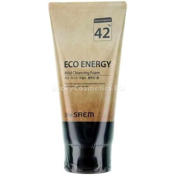 The Saem Eco Energy Mild Cleansing FoamДаже мужчины, которые считают уход за собой не мужским занятием, знают о важности и необходимости тщательного очищения кожи от загрязнений. На чистой коже гораздо реже появляются воспаления и высыпания, которые точно не являются признаком мужественности. Пенка для умывания от компании The Saem не только глубоко очищает, но и деликатно ухаживает за кожей лица.<br>Благодаря своему составу пенка серии Eco Energy не пересушивает кожу, на ней не появляются сухость и шелушения. В Mild Cleansing Foam входит множество натуральных компонентов: экстракты лимона, мяты, розмарина, лаванды, гамамелиса, масла апельсина, лимона, муската. Эти вещества обеспечивают комплексный и многофакторный уход:<br>очищение пор;<br>устранение сухости и шелушений;<br>нормализация работы сальных желез;<br>глубокое увлажнение;<br>снятие воспалений и раздражений;<br>заживление повреждений;<br>устранение пигментации;<br>выравнивание тона лица;<br>снятие усталости с кожи.Объём: 150 гр.Способ применения:Выдавите немного средства в ладони и взбейте густую и плотную пену. Также для этого можно использовать специальную мочалку-сеточку. Затем нанесите пенку на лицо и мягко помассируйте кожу в течение одной минуты. Не нужно активно тереть и растягивать кожу. Смойте средство прохладной или теплой водой.<br>