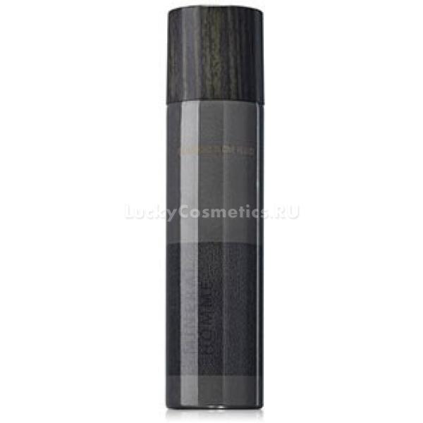 The Saem Mineral Homme Black Allinone FluidЭтот флюид создан специально для современных мужчин, которые уделяют должное внимание собственному внешнему виду. Он обладает легчайшей текстурой, которая супербыстро проникает даже в самые глубочайшие слои и ткани эпидермиса, насыщая каждую его клеточку всеми необходимыми компонентами. Отсутствие неприятной пленочки после применения средства делает его еще более приятным и комфортным в использовании. Основой состава продукта является минеральный комплекс, который обеспечивает всестороннее оздоравливающее действие на кожу. Минералы обладают мощными увлажняющими, укрепляющими, бактерицидными и успокаивающими свойствами. Включенный в содержание аденозин, обеспечивает омолаживающий и антиоксидантный эффект. Курсовое применение флюида позволяет всесторонне улучшить состояние мужского типа кожи, сохранить его красоту, а также ухоженный и молодой вид. Безупречная мужская кожа &amp;ndash; это так легко, благодаря этому увлажняющему флюиду от бренда The Saem!<br><br>&amp;nbsp;<br><br>Объём: 100 мл<br><br>&amp;nbsp;<br><br>Способ применения:<br><br>Продукт необходимо применять на чистой и сухой коже после вечерней и утренней процедур умывания.<br>