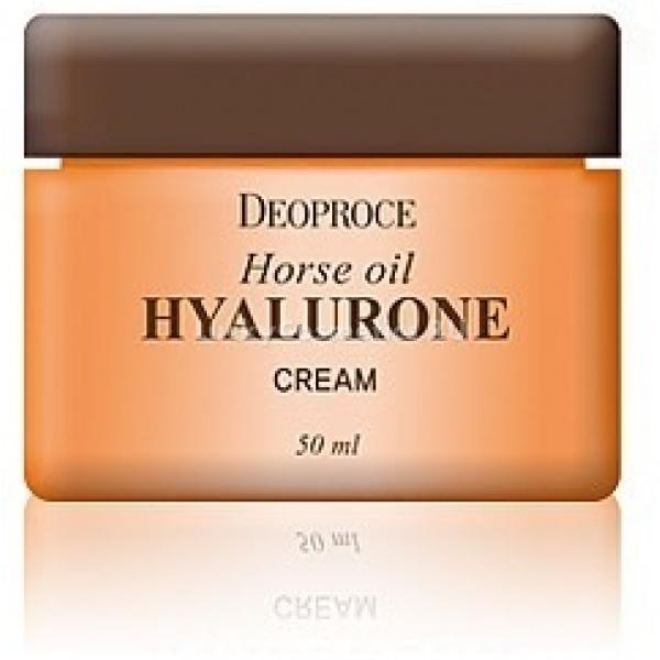 Deoproce Horse Oil Hyalurone CreamУникальный крем для лица Horse Oil Hyalurone с гиалуроновой кислотой и лошадиным жиром помогает одновременно решать сразу несколько проблем: глубокое увлажнение, интенсивное питание. Это настоящая палочка – выручалочка для сухой кожи, которая теряет необходимую влагу и склонна к шелушению.<br>Лошадиный жир эффективно наполняет кожу необходимыми питательными веществами, витаминами, макро- и микроэлементами. Deoproce Cream значительно улучшает защитные функции, кожа становится менее восприимчивой к неблагоприятным климатическим факторам и прочим воздействиям.<br>Гиалуроновая кислота оказывает, в первую очередь, увлажняющее действие. Она проникает даже в самые низшие слои эпидермиса и наполняет их водой, восстанавливая водный баланс. Если имеются повреждения, они восстанавливаются намного быстрее, а воспаления проходят в течение нескольких часов.Объём: 50 мл.Способ применения:Способ применения:<br>После ежедневного очищения кожи : удаления макияжа, умывания, нанесения тоника или лосьона, нанесите небольшое количество крема с гиалуроновой кислотой и лошадиным жиром мягкими массажными движениями.<br>