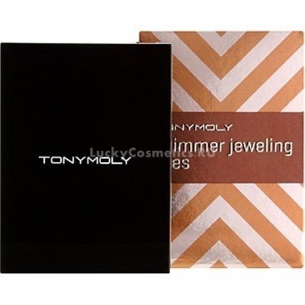 Мерцающие тени для век Tony Moly Shimmer Jewerling EyesТени для век четырехцветные с эффектом мерцания от Tony Moly способны сделать ваш макияж неповторимым и ярким. В линейке пять великолепных оттенков &amp;ndash; Gold (01), Coral (02), Pink (03), Beige (04), Peach (05). Имеют шелковую текстуру, придают взгляду чарующую глубину. Содержат натуральные масла розы, подсолнечника и шиповника, которые дарят коже мерцание и притягательный блеск. Тени идеально ложатся, не скатываются, сохраняя насыщенный цвет в течение всего дня. Обеспечивают эффективную защиту для нежной кожи век от сухости и шелушения.<br><br>&amp;nbsp;<br><br>Объём: 2,7 г<br><br>&amp;nbsp;<br><br>Способ применения:<br><br>Нанести на веки аппликатором или кистью. Более светлый тон предпочтительно наносить на верхнее веко, самый темный тон использовать для создания более глубокого взгляда. Два других оттенка рекомендуется использовать в качестве акцента и создания завершенного образа.<br>