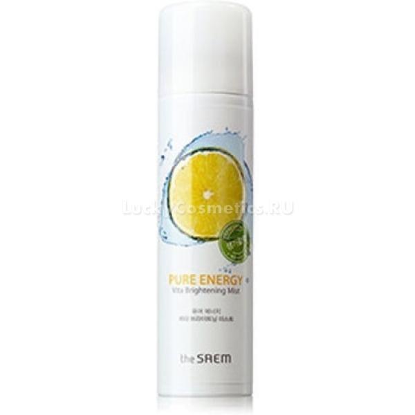 The Saem Pure Energy Vita Brightening MistОхлаждающий спрей для бережного ухода за кожей лица разработали косметологи корейской компании The Saem. Инновационный продукт способен увлажнить даже самую сухую, увядающую кожу. Большим преимуществом средства при регулярном использовании является его отбеливающий эффект.<br><br>Спрей немного осветляет кожу, идеально выравнивая ее тон и избавляя от пигментации. В качестве основы для создания этого средства для лица производитель выбрал термальную воду высокогорных источников. Эта вода обогащена ценными минералами и микроэлементами. Соли в ее составе позволяют ощутить на коже эффект лифтинга.<br><br>Продукт отлично увлажняет кожу и повышает ее тонус. Наличие экстрактов зеленого лайма и средиземноморского лимона в составе выдает неповторимый аромат, поднимающий настроение. В средстве также содержится экстракт зеленого яблока, который оказывает увлажняющее и омолаживающее действие на клетки кожи. При этом спрей-мист не содержит вредных для кожи веществ. Его могут использовать даже обладатели чувствительной кожи.<br><br>&amp;nbsp;<br><br>Объём: 100 мл<br><br>&amp;nbsp;<br><br>Способ применения:<br><br>Спрей непосредственно перед использованием следует немного встряхнуть. Распылять на лицо его необходимо на расстоянии не менее 15-20 см. Можно применять, как на чистую кожу, так и поверх декоративных и уходовых средств.<br>