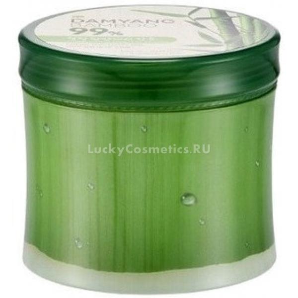 The Face Shop Damyang Bamboo Fresh Soothing GelАзиатский бренд разработал универсальный гелевый крем для лица и тела на основе вытяжки из бамбука. Регулярное использование этого средства дарит коже полноценное увлажнение на клеточном уровне, мягкость и свежесть.<br><br>Экстракт бамбука признан косметологами как эффективное средство для возвращения коже красоты и молодости. Этот полезный ингредиент в составе геля:<br><br><br>увлажняет кожу;<br>обеспечивает клеткам питание;<br>улучшает текстуру кожи, разглаживает и подтягивает ее;<br>избавляет от целлюлита.<br><br><br>Гель отлично борется с возрастными изменениями, а также превосходно защищает кожу от недружелюбного действия внешних факторов, в том числе низких температур и ультрафиолета. Систематическое применение средства дарит коже упругость и гладкость. Экстракт бамбука укрепляет эластановые и коллагеновые волокна эпидермиса, способствует устранению синяков, ослабляет действие свободных радикалов. Раздраженная кожа в результате успокаивается, воспаления и другие дефекты становятся менее выраженными.<br><br>Гель, обладающий удивительными свойствами сока бамбука, станет незаменимым продуктом в жаркое время года. Он отлично матирует кожу и сужает расширенные поры. После себя крем-гель не оставляет ощущения липкости и стянутости. Баночка геля выполнена в виде круглой бамбуковой веточки. В составе продукта не содержатся вредные химические компоненты.<br><br>&amp;nbsp;<br><br>Объём: 300 мл<br><br>&amp;nbsp;<br><br>Способ применения:<br><br>Нанести гель на чистую кожу лица и тела.<br>