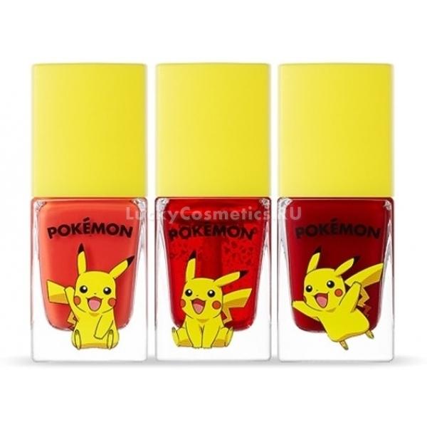 Tony Moly Pika Pika Get It Tint Pokemon EditionНевероятно яркий, обладающий притягательным глянцевым блеском тинт для губ от южнокорейского бренда Tony Moly входит в линейку продуктов Pokemon Edition, отличающуюся своим необычным дизайном.<br>Насыщенные оттенки Pika Pika Get It Tint прекрасно подойдут каждой девушке, вне зависимости от цветотипа и стиля образа. Тинт можно использовать как для повседневного, так и для яркого, вечернего макияжа. Чувственное, яркое, обладающее глянцевым, зеркальным блеском покрытие, которое образует данный продукт, визуально придает губам больший объем. А его натуральный ухаживающий состав полноценно питает их, препятствуя возникновению сухости, шелушений и трещинок.<br>Тинт выпускается в трех возможных оттенках в ярких, милых флакончиках.Объём: 9,5 гр.Способ применения:Наносить на сухие и чистые губы.<br>