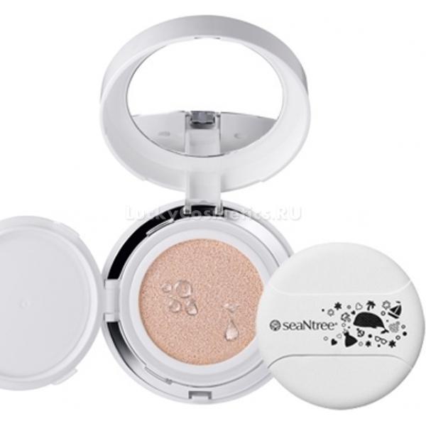 SPFPA Seantree UV White Cushion SPFPAТональный крем – кушон – новое решение в современной мэйк - индустрии. Средство с легкой текстурой плотно покрывает кожу и скрывает все недостатки. Поможет создать идеально ровный тон, без эффекта маски, не подчеркивает шелушение, дарит коже свежий вид. А высокий УФ барьер SPF50+/PA+++ позволит быть прекрасной даже на пляже или в городской среде. Легкая текстура Seantree UV White Cushion не забивается в морщинки, не скатывается и не тускнеет в течение дня. Компактная упаковка не займет много места в сумочке и сопроводит Вас в путешествии или командировке, позволив выглядеть идеально в любой ситуации. Плотные пигменты тщательно скрывают неровности, покраснения и воспаления. Лечебная формула средства поможет устранить темные круги в области глаз, увлажнит сухую кожу, подарит матовость – жирной.<br>Экстракт зеленого чая деликатно успокаивает, снимает раздражение и зуд, дарит чувство мягкости и комфорта.<br>Экстракт алоэ насыщает клетки влагой, глубоко питает и восстанавливает оптимальный гидро – липидный баланс. Помогает устранить мелкую сеточку морщин, пигментацию и воспаления.Объём: 15 гр.Способ применения:Нанесите при помощи аппликатора необходимое количество средства на кожу, тщательно растушевывая.<br>