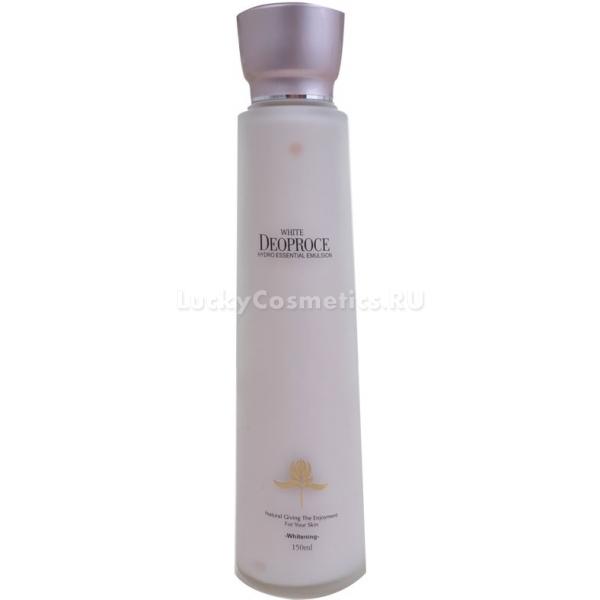 Deoproce White Hydro Essential EmulsionПодарите коже свежесть и сияние вместе с легкой эмульсией White Hydro Essential Emulsion от корейского бренда Deoproce. Средство обеспечивает пролонгированное действие, за счет накапливающихся микроэлементов и витаминов, клетки постепенно восстанавливаются. В результате кожа обретает здоровый и свежий вид. Легкая текстура продукта не оставляет следов липкости и жирности, великолепно увлажняет и сохраняет оптимальный уровень влаги в клетках, предотвращая шелушение и раздражение. Активные компоненты средства деликатно отбеливают следы пигментации, выравнивают тон кожи и борются с наиболее распространенными возрастными изменениями. Благодаря водной основе средство не сушит и не вызывает аллергических реакций, способствует усилению метаболизма клеток и дарит коже мягкость.<br>Арбутин – безопасный ингредиент осветляющей косметики, растительного происхождения. Он способствует постепенному выравниванию тона кожи, разглаживает морщинки и устраняет отечность тканей. Эффективно борется с пигментацией, устраняет следы постакне и дарит коже сияющий вид.Объём: 150 мл.Способ применения:На предварительно очищенную и тонизированную кожу нанесите несколько капель эмульсии и распределите по массажным линиям легкими похлопываниями подушечек пальцев.<br>