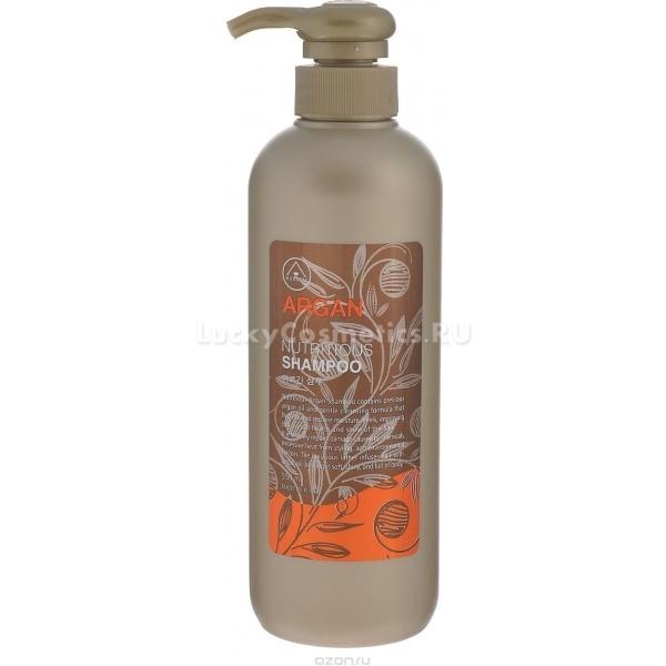 Mukunghwa Rossom Argan ConditionerMukunghwa Rossom Argan Conditioner  – кондиционирующее средство на основе масла аргана, также содержит сок алоэ, экстракт баобаба и эвкалипта, оздоравливают волосы до самых кончиков, придавая им блеск и силу, уменьшают ломкость. Аргановое масло защищает волосы от термических повреждений, что делает этот бальзам отличным уходовым средством для тех, кто часто делает горячую укладку.<br>После использования этого кондиционера волосы становятся гладкими и блестящими, кератиновые чешуйки закрываются и плотно прилегают друг к другу, образуя зеркальную поверхность. Структура волос на ощупь становится плотнее, они более устойчивы к механическим повреждениям и дольше держат укладку. Незаменимое средство для тех, кто хочет уменьшить потерю длины волос за счет ломкости, облегчает уход и расчесывание длинных и тонких волос.Объём: 550 млСпособ применения:Вымойте волосы шампунем и слегка промокните их полотенцем, чтобы они оставались чуть влажными, но вода перестала стекать. Нанесите на нижнюю половину длины бальзам –кондиционер так, чтобы он равномерным тонким слоем покрывал все пряди. Выдержите несколько минут и тщательно промойте волосы водой комфортной для вас температуры, но не горячей.<br>