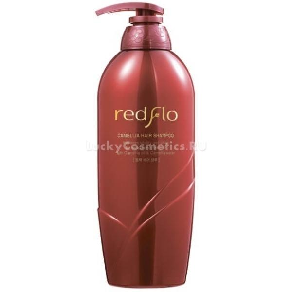 Flor de Man Redflo Camellia Hair ShampooВся линейка продуктов по уходу за волосами с ценным маслом камелии благотворно воздействует на структуру волос изнутри и придает им неотразимый внешний вид.<br>Камелия богата содержанием ценных веществ, ее масло интенсивно восстанавливает волосы изнутри, наделяет полезными микроэлементами, влагой и создает защитное покрытие, надежно препятствующее негативному воздействию на волосы перепадов температурного режима.   Масло камелии борется с появлением сухости, предотвращает перхоть, шелушения, раздражения и успокаивает кожу головы. Redflo Shampoo разглаживает волоски по всей длине, делая волосяной покров ровным, гладким и блестящим. Масло наделяет силой волосяные луковицы, стимулируя кровообращение в коже головы. Таким образом, волосы приобретают прочность, силу и упругость.<br>Camellia Hair рекомендуется для применения каждый день. При регулярном использовании волосы всегда будут оставаться чистыми, наполненными здоровьем и силой, они будут иметь ухоженный и блестящий вид без секущихся кончиков и тусклости.Объём: 750 мл.Способ применения:Наносить необходимое количество шампуня на мокрые волосы, вспенить массирующими движениями, после чего смыть при помощи теплой воды.<br>