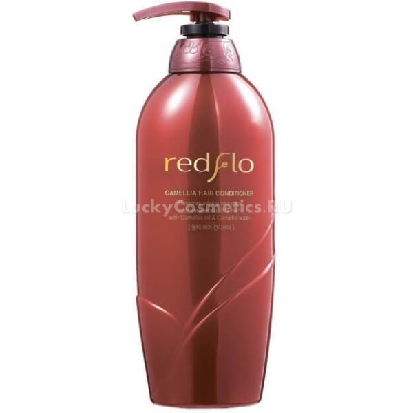 Flor de Man Redflo Camellia Hair ConditionerСредство по уходу за волосами на основе ценного масла камелии, благотворно влияющего на волосы от корней до кончиков, способно за одно применение сделать волосы сильными, блестящими, избавить от тусклости, сечения, кожных проблем и частого выпадения.<br>Кондиционер можно применять ежедневно, он мягко воздействует на волосы, питая и увлажняя их, восстанавливая поврежденные участки, склеивая секущиеся кончики и укрепляя волосяные луковицы. Redflo Conditioner помогает предотвратить появление перхоти, раздражений, шелушений и потерю волос. Он защищает волосы от термического и других негативных воздействий окружающей среды, наделяя волосы силой и красивым естественным блеском.<br>Масло камелии известно своими уникальными качествами и пользой для волос и кожи головы. Оно помогает длительное время поддерживать здоровое состояние волос, их увлажненность, блеск и силу. Кроме того, Camellia Hair мягко успокаивает кожу головы, избавляя ее от различных раздражений, шелушений и перхоти, препятствует появлению сухости и слабости.Объём: 750 мл.Способ применения:Наносить кондиционер на чистые влажные волосы, подождать 2-5 минут, после чего смыть.<br>