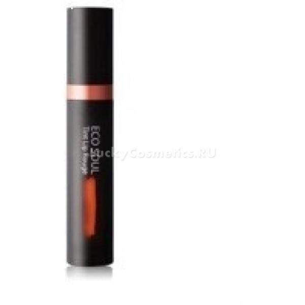 The Saem Eco Soul Tint Lip RougeУникальный увлажняющий тинт для губ The Saem Eco Soul Tint Lip Rouge представляет собой три косметических средства в одном. Это блеск для губ, помада и сам тинт высочайшего качества.<br>Это средство обладает повышенной стойкостью, его цвет не теряется в течение всего дня. Помада насыщена красящими пигментами, делающими цвет более глубоким и многогранным, а блеск придаст губам соблазнительное сияние. При нанесении тинт ложится ровным и красивым слоем, который не смазывается даже при поцелуях.<br>В составе этого средства содержится более сорока процентов увлажняющих компонентов, имеются и природные экстракты, насыщающие кожу губ влагой. В тинте этой линии отсутствую искусственные красители, масла минерального происхождения и парабены. Это косметическое средство представлено в следующих модных оттенках — Sunny Red, Fresh Orange, Pink Flower Bud, Spring Wind Pink и Flower Leaves Lavender.Объём: 5 грСпособ применения:Тинт следует в небольшом количестве распределить по сухой коже губ, при необходимости скорректировать цвет помадой и нанести слой соблазнительного блеска.<br>