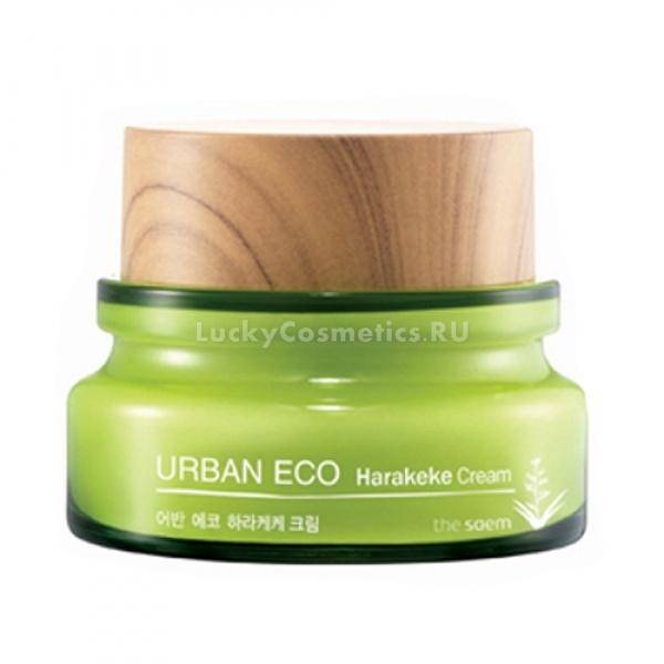 The Saem Urban Eco Harakeke CreamУдивительные свойства увлажняющего крема Urban Eco Harakeke Cream от корейского бренда The Saem помогут устранить сухость и стянутость кожи в любое время года. Легкая текстура средства мгновенно впитывается и не оставляет следов липкости или жирности, обеспечивая полноценный уход за кожей. Активные компоненты средства интенсивно питают, увлажняют и восстанавливают упругость кожи. Специальная многофункциональная формула средства деликатно отшелушивает отмершие частички кожи, борется с первыми признаками возрастных изменений и предупреждает появление воспалений. Кожа обретает здоровый и отдохнувший вид, становится эластичной и упругой.<br>Экстракт льна помогает захватывать и прочно удерживать в клетках необходимое количество влаги, поддерживает матовость кожи и эффективно борется с высыпаниями.<br>Цветки календулы успокаивают, очищают поры и выводят токсины.<br>Медовый экстракт обладает антибактериальным, ранозаживляющим и регенерирующим действием.Объём: 60 мл.Способ применения:На предварительно очищенную кожу нанесите необходимое количество средства и распределите до впитывания. Идеален для нанесения в качестве основы под макияж.<br>