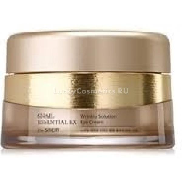 The Saem Snail Essential EX Wrinkle Solution CreamКрем от морщин с улиточным секретом разгладит кожу, придаст ей приятное сияние, хорошо увлажнит и восполнит питательными веществами. Он создаст необходимый барьер, бережно охраняя кожу от вредных факторов. Данный косметический продукт содержит целый комплекс антивозрастных веществ.<br><br>Экстракт улиточного секрета разработан специально для оздоравливающего и омолаживающего воздействия. Он стимулирует синтез новых клеток и восстановление поврежденных. Муцин улитки отлично увлажняет, интенсивно тонизирует и тщательно смягчает кожу. Одновременно исчезают мелкие морщины и пигментные пятна. Тон кожи становится лучше и приобретает сияющий вид. Данное вещество обладает еще и антибактериальным свойством.<br><br>Ягодный экстракт Snail Essential EX Wrinkle Solution наполняет кожу необходимыми витаминами и питательными веществами. Стимулирует выработку самого необходимого компонента для борьбы с морщинами &amp;ndash; коллагена. Придает упругость эластическим волокнам, уплотняет их, улучшает механическую прочность. Кожа становится подтянутой и упругой.<br><br>Гиалуроновая кислота, включенная в состав крема, противостоит разрушительному воздействию окружающей среды, создавая на поверхности незаметную защитную пленку. Под ее воздействием также происходит пролонгированное увлажнение и питание кожи.<br><br>&amp;nbsp;<br><br>Объём: 60 мл.<br><br>&amp;nbsp;<br><br>Способ применения:<br><br>Наносится крем на тонизированную и очищенную кожу лица слегка массирующими движениями.<br>