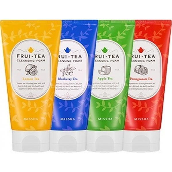 Missha FruiTea Cleansing FoamВыраженными антиоксидантными свойствами обладает каждая пенка для умывания с названием Frui-Tea Cleansing Foam от компании Missha. Весь секрет этих четырех средств &amp;ndash; в сочетании экстрактов фруктов и листьев чайных.<br><br>В составе ухаживающей формулы &amp;ndash; три вида чая: черный, зеленый, пуэр. Все они &amp;ndash; антиоксиданты, созданные природой, и все они защищают кожу от влияния разрушающих внешних факторов. Кроме того, эти экстракты обладают свойством увлажнять и насыщать микроэлементами из собственного состава, а также залечивают воспаления и снимают покраснения.<br><br>Различаются пенки для умывания фруктовыми и ягодными вытяжками, вошедшими в их состав.<br><br>Так, яблочная пенка создана для сухой и увядающей кожи. Она возвращает утраченную свежесть цвета лица и подтягивает овал. А содержащийся в яблочном соке витамин С отбеливает пигментацию.<br><br>Лимонная пенка также богата витамином С. Но она, кроме того, устраняет высыпания на коже и подходит девушкам с чувствительным ее типом.<br><br>Черничная пенка тонизирует и омолаживает, а также интенсивно увлажняет. Ее действие понравится сухой коже лица.<br><br>Гранатовая пенка &amp;ndash; находка для возрастной кожи. Она обладает anti-age-эффектом и стимулирует процессы восстановления поврежденных клеток. Кроме того, гранат и сам обладает антиоксидантыми свойствами, и в тандеме с вытяжками из чайных листьев они только усиливаются.<br><br>&amp;nbsp;<br><br>Объём: 150 мл<br><br>&amp;nbsp;<br><br>Способ применения:<br><br>Влажную кожу помассируйте с использованием пенки. Смойте средство.<br>