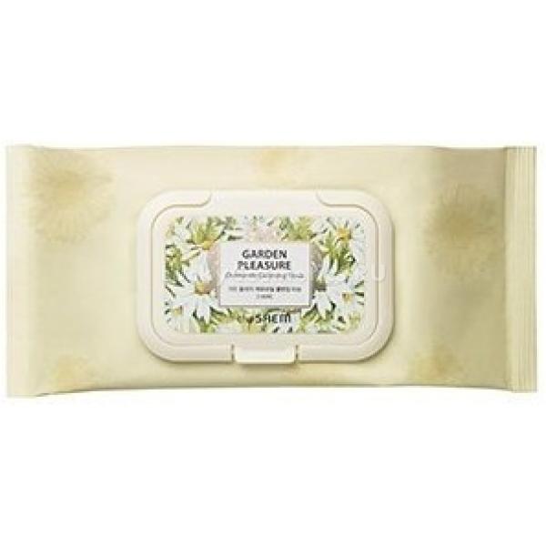 The Saem Garden Pleasure Chamomile Cleansing TissueОчищающие салфетки пропитаны жидкостью на основе натурального экстракта полевой ромашки. Данное растение – источник огромного количества целебных компонентов – кислот, масел, витаминов, флавоноидов и других. Ромашка – действенный антисептик. Она снимает воспаление, успокаивает раздраженную поверхность и способствует заживлению ран. Кроме того, ускоряет процессы регенерации эпидермиса на клеточном уровне. Также ромашка благотворно сказывается на кровообращении, а значит и на питании тканей кислородом и витаминами.<br>Салфетки могут использовать все, даже обладатели сверхчувствительной кожи. Наиболее позитивное воздействие как от уходового средства заметят те, у кого есть проблемы с чрезмерной сухостью.<br>Поверхность салфеток нежная, она не вызывает раздражений. Легко снимает естественные дневные загрязнения и убирает макияж. Кожа становится более мягкой и бархатистой, нет пересушенности. Пигментация со временем осветляется.<br>Данное средство удобно использовать в дороге и в «полевых» условиях – в командировке или на отдыхе.Объём: 100 штСпособ применения:Достать одну салфетку из упаковки и легким движением убрать загрязнения.<br>