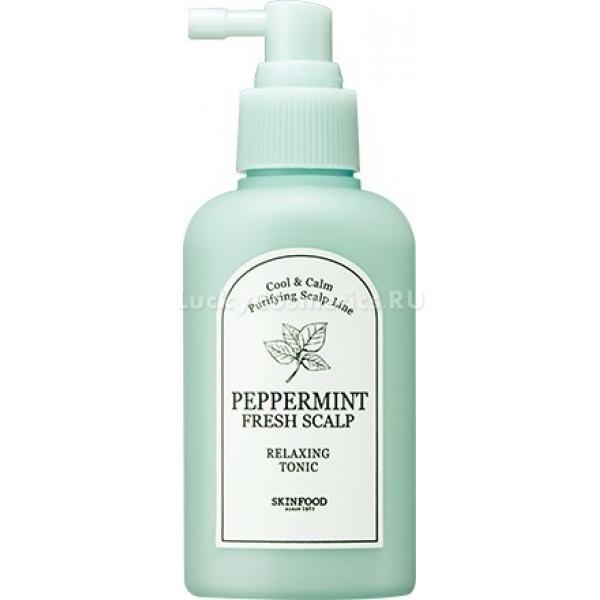 Skinfood Peppermint Fresh Scalp Relaxing TonicPeppermint Fresh Scalp Relaxing Tonic ? легкое и эффективное средство для волос и кожи, которое не требует смывания и не утяжеляет локоны, а, наоборот, освежает и избавляет их от всего лишнего.<br>Благодаря экстракту мяты тоник контролирует выработку кожного жира и препятствует оседанию загрязняющих частиц на волосах. Это помогает продлить чистоту шевелюры и дарит ощущение приятной прохлады.<br>Перечная мята является также прекрасным стимулятором роста волос, способствует укреплению их луковиц за счет улучшения кровообращения кожи головы и поставки питательных компонентов к корням.<br>Натуральный аромат способствует расслаблению и улучшению настроения, благодаря чему активно используется в ароматерапии.<br>Состав тоника обогащен комплексом растительных ингредиентов:<br>вытяжка из портулака огородного;<br>экстракт цитрусовых и гамамелиса;<br>оливковое масло;<br>масло эвкалипта.<br>Они омолаживают и защищают волосы и кожу от фотостарения, негативных погодных условий, избавляют от перхоти и других заболеваний эпидермиса и дермы.Объём: 120 млСпособ применения:Распылить тоник на кожу и по всей длине волос.<br>