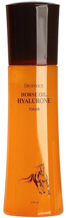 Deoproce Horse Oil Hyalurone TonerЛошадиный жир &amp;ndash; популярная составляющая восточной косметики, его включают в состав питательных кремов, слипинг-пака, шампуней и бальзамов для волос. В составе тонера конский жир или байю, как называют его азиаты, существенно усиливает его увлажняющие и питающие свойства.<br><br>Другой важный компонент в составе Horse Toner от Deoproce &amp;ndash; гиалуроновая кислота, выступающая в роли естественного увлажнителя эпидермиса. Естественно, что проникнуть в глубокие слои дермы она не может, но ее поступление извне стимулирует выработку собственных увлажняющих веществ. Гиалуроновая кислота моментально разглаживает заломы кожи и морщинки, образовавшиеся при обезвоживании кожи. Конский жир восстанавливает липидный баланс, смягчает сухие и зудящие участки, предотвращает шелушения.<br><br>Тонер Oil Hyalurone поможет вернуть здоровье истощенной климатическими перепадами, бессонными ночами и стрессами коже, восстановит ее естественную защиту и подготовит к дальнейшему восстанавливающему уходу.<br><br>&amp;nbsp;<br><br>Объём: 150 мл.<br><br>&amp;nbsp;<br><br>Способ применения:<br><br>Распределите тончайшим равномерным слоем по слегка влажному лицу и после полного впитывания наносите косметику или специальный уход.<br>