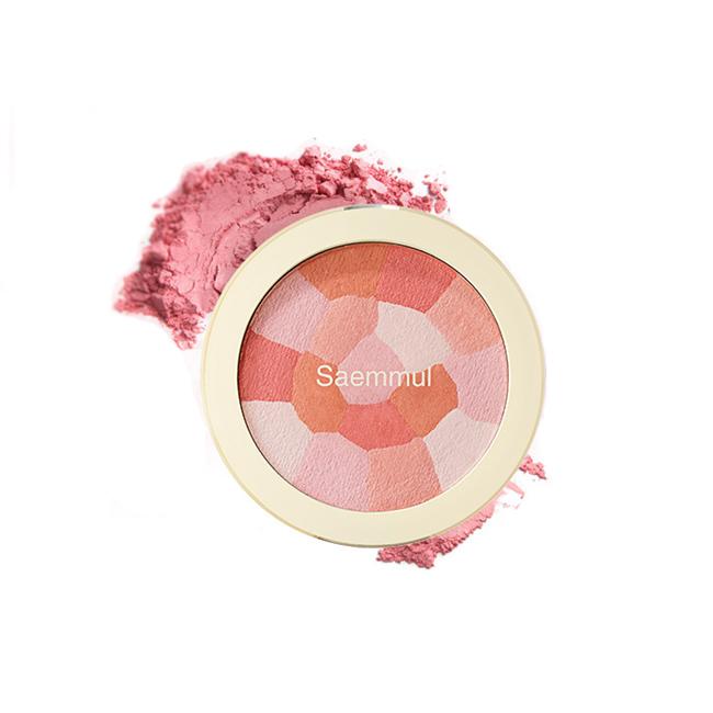 The Saem Saemmul Luminous Multi BlusherЭти румяна &amp;ndash; уникальное средство, которое сочетает в себе несколько цветов, позволяющих каждой девушке поэкспериментировать и создать тот тон румянца, который идеально подойдет для ее цветотипа. Одна упаковка включается в себя 5 различных оттенков, соединенных в одну мозаику: белый; светлый розовый; нежный персиковый; коричневый; коралловый; которые можно наносить как в отдельности, так и смешивая, создавая совершенно новый уникальный цвет! Продукт обогащен мельчайшими сверкающими частицами, что позволяет создать румянец, наполненный влажным сиянием, который придаст свежести и ухоженности лицу. Наличие высокого уровня пигментации и стойкости позволяют перенести цвет на кожу в одно касание, который продержится на ней в течение всего дня! Средство прекрасно поддается растушевке, что исключает его неравномерное нанесение, и ложится на кожу легкой вуалью, которая создает иллюзию естественного здорового румянца!<br><br>&amp;nbsp;<br><br>Объём: 8 гр<br><br>&amp;nbsp;<br><br>Способ применения:<br><br>Продукт следует наносить аккуратными движениями при помощи кисти на яблочки щек.<br>
