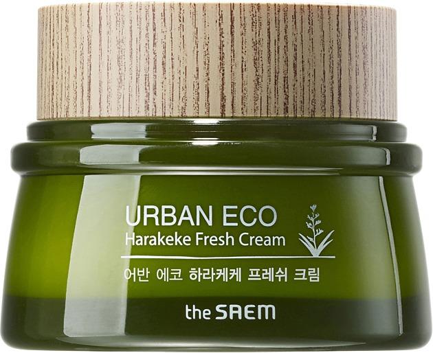 The Saem Urban Eco Harakeke Fresh CreamОсвежающий крем с экстрактом льна качественно и быстро увлажняет, тщательно смягчает и успокаивает кожу, улучшая ее структуру и внешний вид. Как и все космецевтические продукты линии Urban Eco, крем имеет в своем составе целебные экстракты меда мануки и календулы. Благодаря им, крем обладает седативным и питательным эффектом, восстанавливает защитные функции дермы.<br><br>Мед мануки и календула также отлично способствуют снятию воспалений и удалению омертвевших клеток. Помимо этого, крем с экстрактом льна-харакеке содержит водный настой ромашки, фитоконцентрат более чем из десяти видов лечебных растений и увлажняющий комплекс Aquaxyl&amp;trade;.<br><br>Мощный фитоконцентрат направлен на омолаживание и тонизирование кожи. Он также хорошо укрепляет стенки капилляров и снимает стрессы кожного покрова. Наполняет увядающую кожу жизненной энергией, придает упругость и бархатистость.<br><br>Уникальный комплекс Aquaxyl&amp;trade; состоит из сахара пшеницы и древесины. Он эффективно совершает работу сразу трех направлениях. Концентрат увеличивает запас влаги в глубоких кожных слоях, стимулирует выработку гиалуроновой кислоты и хондроитина, естественных увлажнителей эпидермиса, улучшает иммунитет.<br><br>&amp;nbsp;<br><br>Объём: 60 мл<br><br>&amp;nbsp;<br><br>Способ применения:<br><br>Крем наносится на финальном этапе ухода за кожей.<br>