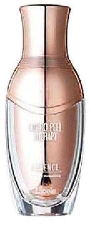 Lioele Hydro Peel Therapy EssenceЭто высокоэффективное средство от корейского производителя Lioele помогает мгновенно наполнить кожу влагой, витаминами и минералами, успокоить ее, снять раздражения и придать упругость.<br><br>Hydro Peel Therapy Essence содержит воду, взятую с глубин моря. Она интенсивно увлажняет и наполняет клетки кожи минералами, тонизирует и укрепляет ее.<br><br>Жидкий коллаген придает коже упругость, омолаживает ее, способствует разглаживанию морщинок и прекрасно увлажняет.<br><br>Водоросли обладают мощным эффектом детоксикации, снимают отечность, витаминизируют и питают кожу, наполняют ее влагой и успокаивают. К тому же, они надежно защищают клетки от окисления.<br><br>Гиалуроновая кислота способствует сохранению влаги в коже в течение длительного времени, а также прекрасно успокаивает ее.<br><br>При регулярном использовании эссенции кожа омолаживается, подтягивается и разглаживается, она становится здоровой, сияющей и увлажненной в течение длительного времени.<br><br>&amp;nbsp;<br><br>Объём: 30 мл.<br><br>&amp;nbsp;<br><br>Способ применения:<br><br>Наносить на кожу после процессов очищения и тонизирования мягкими движениями.<br>