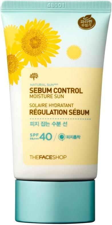Увлажняющий солнцезащитный крем The Face Shop Sun Eco Sebum Control Moisture Sun SPF40 PA ++Обычный солнцезащитный крем не всегда оказывает благотворное влияние на кожу, поэтому могут возникать чувство сухости, зуда и шелушения. Специально для предотвращения этого компания The Face Shop выпустила новинку - Sun Eco Sebum Control Moisture Sun. Легкая текстура средства эффективно увлажняет кожу, способствует насыщению клеток активными частицами кислорода и влаги, предотвращает обезвоживание кожного покрова. Специальная формула продукта не оставляет белесых следов, липкости и жирности на поверхности, приятно охлаждает и успокаивает кожу. Кроме того, средство способствует эффективной борьбе с первыми признаками старения, укрепляет тонкие стенки сосудов и дарит коже эластичность.<br><br>Масло семян подсолнечника обладает увлажняющим, ранозаживляющим и успокаивающим действием. Способствует устранению пигментации, смягчает сухую кожу, предотвращает потерю клетками ценной влаги.<br><br>Витамин Е деликатно отшелушивает ороговевшие клетки, помогает контролировать выработку кожного сала, дарит коже свежий и сияющий вид.<br><br>&amp;nbsp;<br><br>Объём: 50 мл.<br><br>&amp;nbsp;<br><br>Способ применения:<br><br>Нанесите необходимое количество продукта на открытые участки тела за 15 &amp;ndash; 20 минут до выхода на улицу.<br>