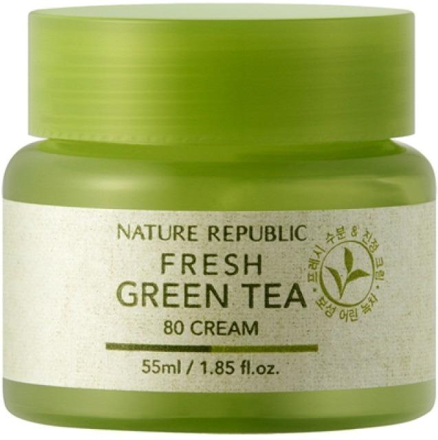 Nature Republic Fresh Green Tea  CreamКрем от корейской марки натуральной косметики Nature Republic дарит коже свежесть, увлажненность и длительное чувство комфорта.<br>Крем из освежающей серии Fresh в 80-процентной концентрации содержит вытяжку листьев зеленого чая, что делает его необычайно эффективным в тонизировании, очищении, увлажнении и придании коже свежести.<br>Green Tea 80 Cream способен мгновенно проникать в глубокие слои эпидермиса, изнутри насыщая кожу полезными веществами, влагой, придавая ей мягкость и тонус.<br>Вся линейка средств на основе вытяжки зеленого чая подходит даже для кожи, склонной к возникновению раздражений, успокаивая ее, снимая различные воспаления и раздражения, восстанавливая поврежденные участки.<br>Зеленый чай – мощный антиоксидант, прекрасное антибактериальное, успокаивающее, и питательное средство. Он способен ускорить все клеточные процессы, в том числе и микроциркуляцию крови, насыщая кожу изнутри кислородом, выводя токсины, снимая отечность, активизируя выработку коллагена и способствуя более интенсивному проникновению питательных веществ вглубь кожи. Вытяжка богата витаминами и другими ценными компонентами. Кроме того, оно прекрасно очищает закупоренные поры, удаляет излишки кожного жира с поверхности кожи и улучшает цвет лица.Объём: 55 мл.Способ применения:Наносить на кожу после процессов очищения и тонизирования, впитать массажными движениями.<br>