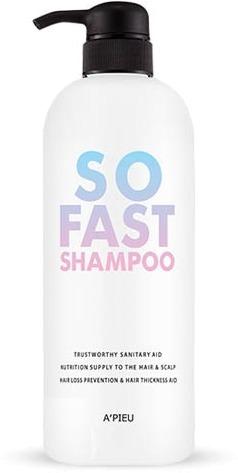 APieu So Fast ShampooТонкие, слабые и секущиеся волосы нуждаются в особенной заботе. Подарите им профессиональный уход вместе с шампунем So Fast Shampoo от корейского бренда A'Pieu. Специальная формула шампуня способствует восстановлению травмированной структуры волос изнутри, восполняет дефицит витаминов и микроэлементов, дарит локонам гладкость и эластичность. Спаивает секущиеся кончики, предотвращает образование сухой перхоти и дарит роскошное сияние. Деликатно очищает волосы и кожу головы от скопившихся загрязнений, активирует «спящие» волосяные луковицы, укрепляет их и предотвращает выпадение. Клинически доказано, при регулярном использовании средства волосы становятся сильными, эластичными и сияющими.<br>Масло жожоба увлажняет, питает и регенерирует поврежденные локоны. Защищает от раннего старения, укрепляет и разглаживает.<br>Экстракт пиона снимает воспаление и раздражение. препятствует образованию сухой перхоти, делает волосы шелковистыми и крепкими.<br>Экстракт ириса спаивает секущиеся кончики, устраняет сухость и ломкость волос, улучшает их внешнее состояние, предотвращает выпадение.Объём: 730 мл.Способ применения:На мокрые волосы капните немного средства и легкими массирующими движениями очистите кожу и волосы от загрязнений. Смойте пену теплой водой.<br>