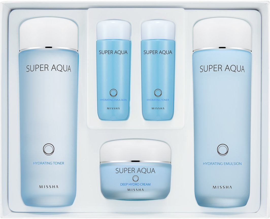 Missha Super Aqua Basic Special SetЧтобы предотвратить потерю кожей влаги, насытить ее силой и энергией, наполнить сиянием, используйте ухаживающие средства из набора Super Aqua Basic Special Set, предлагаемого компанией Missha.<br>Эти косметические продукты – спасение для сухой кожи. Они будут полезны коже молодой, ведь помогут ей не потерять тонус и наполнят здоровым свечением, как будто идущим изнутри. Кроме того, подойдут они и коже возрастной, уставшей и нуждающейся в деликатном уходе.<br>В набор входят пять средств: увлажняющие тонер, эмульсия, крем в полных версиях, а также компактные копии тонера и эмульсии. Миниатюры пригодятся вам в путешествии, и набор любимых увлажняющих средств будет под рукой всегда.Объём: 150 мл * 150 мл * 50 мл * 30 мл * 30 млСпособ применения:Нанесите после очищения кожи тонер. Затем используйте эмульсию и крем.<br>