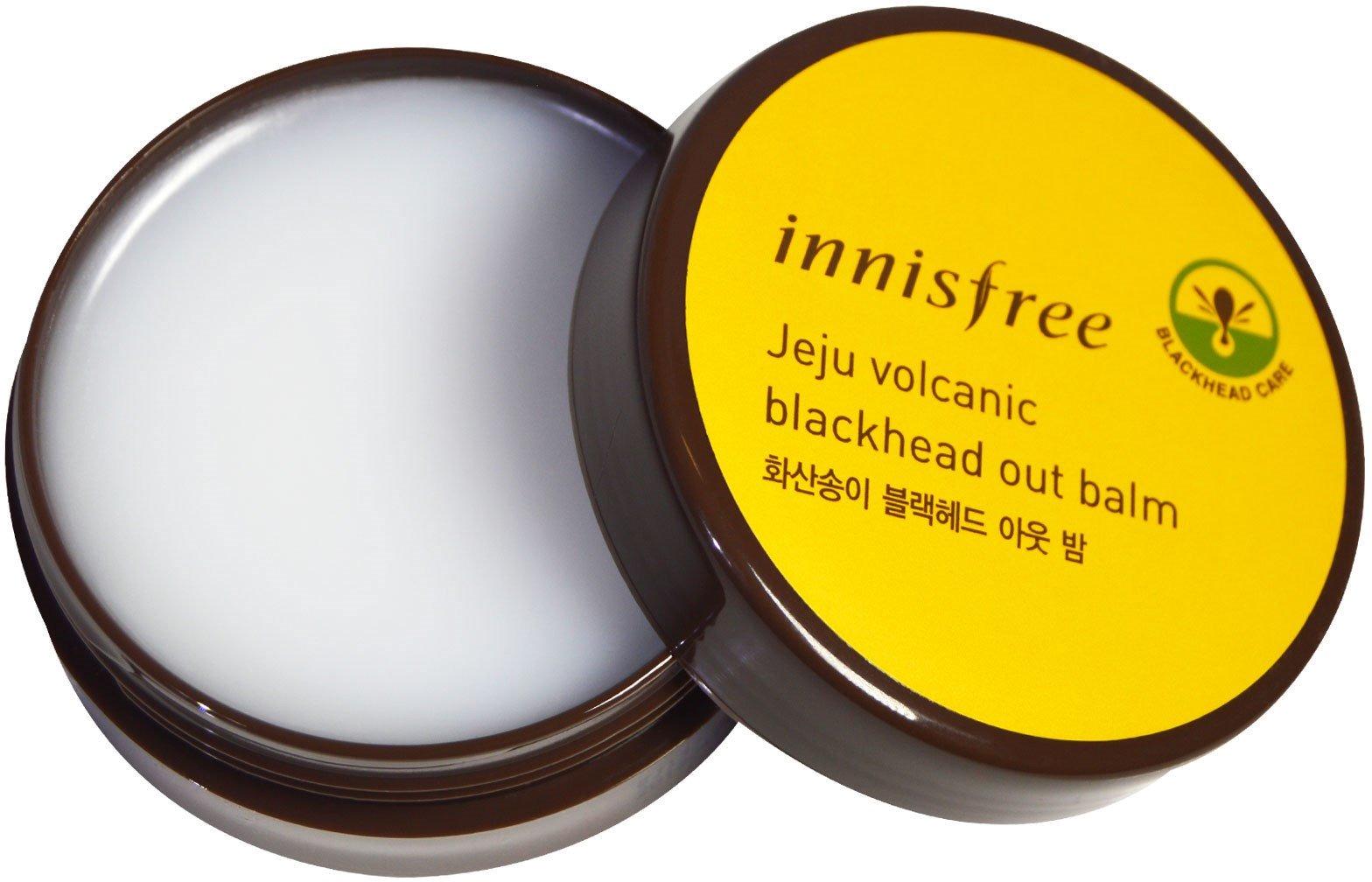 Innisfree Jeju Volcanic Black Head Out BalmНа ухоженном и здоровом личике не место черным точкам! Для того, чтобы избавиться от них без следа, раз в неделю рекомендуется проводить приятную и полезную процедуру с очищающим бальзамом Jeju Volcanic от популярного производителя Innisfree.<br><br>Основа тающего бальзама &amp;ndash; вулканический пепел, насыщенный микроэлементами и минералами, полезными для красоты кожи. Очищенный от примесей пепел не только способен мгновенно нейтрализовать бактерии, но и неплохо впитывает в себя себум, растворяя сальные пробки.<br><br>Важную роль в уходе за кожей играют и натуральный кислоты, на которые возложена миссия мягкого отшелушивания и выравнивая тона лица. В продукте также содержатся белки, смолы, ферменты, налаживающие работу клеток, улучшающие микроциркуляцию и клеточное дыхание.<br><br>Бодрящий экстракт зеленого чая быстро приводит кожу в тонус и помогает порам быстрее закрыться после окончания процедуры. Нежная камелия отвечает за нейтрализацию негативного воздействия извне, уберегая личико от преждевременного старения.<br><br>С раздражениями и покраснениями эффективно борется мякоть опунции, которая за считанные минуты способна снять неприятные болевые ощущения и запустить процесс ускоренной регенерации.<br><br>Это невероятно &amp;ndash; Black Head Out Balm по силам глубокое очищение без травмирования кожи! Продукт как будто вытягивает из пор черные точки, не оставляя им ни единого шанса.<br><br>&amp;nbsp;<br><br>Объём: 30 гр.<br><br>&amp;nbsp;<br><br>Способ применения:<br><br>Нанесите небольшую порцию бальзама на чистую и сухую кожу, помассируйте Т-зону на протяжении 5 минут, затем умойтесь без использования пенки.<br>