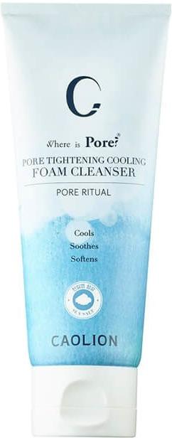 Caolion Pore Tightening Cooling Foam CleanserКосметика корейской марки Caolion как нельзя лучше подходит для проблемной кожи. Белая глина (каолин) &amp;laquo;вытягивает&amp;raquo; загрязнения из пор и сужает их, а также матирует лицо. В пенке для умывания Pore Tightening Cooling Foam Cleanser нет минеральных масел, сульфатов и парабенов, поэтому она подойдёт даже для чувствительной кожи. Вместо этого средство содержит кукурузный крахмал, который смягчает и подтягивает кожу, осветляет пигментные пятна, а также редкий компонент &amp;ndash; диатомовую землю. Это вещество из останков диатомовых водорослей &amp;ndash; натуральный природный скраб: его частички мягко отшелушивают ороговевшие клетки, не повреждая эпидермис. Богатый растительный комплекс (экстракты солодки, ромашки, лишайника, розмарина, байкальского шлемника и других растений) тонизирует, смягчает и успокаивает кожу. Масло перечной мяты уменьшает воспаления и дарит приятное ощущение прохлады.<br><br>&amp;nbsp;<br><br>Объём: 100 гр.<br><br>&amp;nbsp;<br><br>Способ применения:<br><br>Наберите немного средства во влажную ладонь. Руками или сеточкой взбейте пену, нанесите её на лицо. Также можно нанести средство непосредственно на кожу лица и вспенить его. Массирующими движениями очистите лицо и смойте пену тёплой водой.<br>